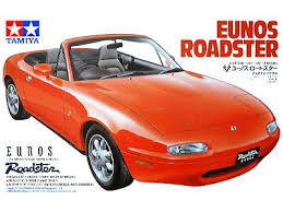 Tamiya 24085 mazda Eunos Roadster 1/24 1:24 PASSENGER CAR MODEL KIT